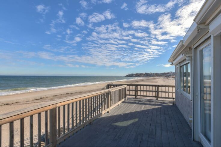 Stunning ocean views, stairs down to the beach - Cottages for Rent in Plymouth, Massachusetts, United States